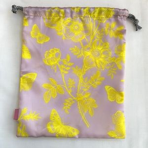 Free ipsy Pouch